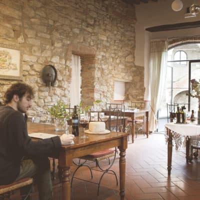 Sala interna ristorante Ciocio Suvereto